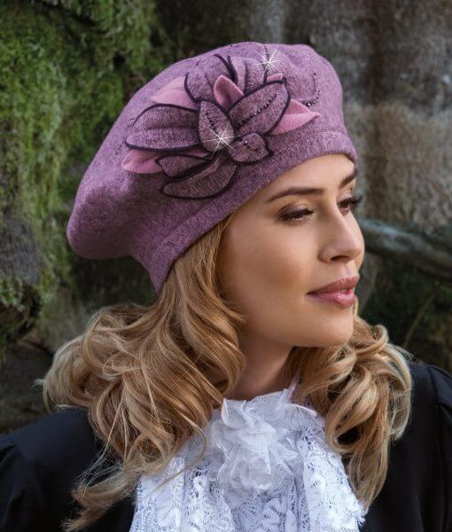 Caciula de dama stil bereta Glejza cu decor floral deosebit
