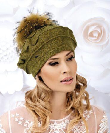Caciula de dama stil bereta cu pompon din blanita Regina