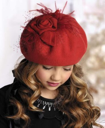 Caciula pentru fetite tip bereta Katerina 1